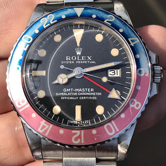 ROLEX GMT Long E, custard lume, faded redback insert